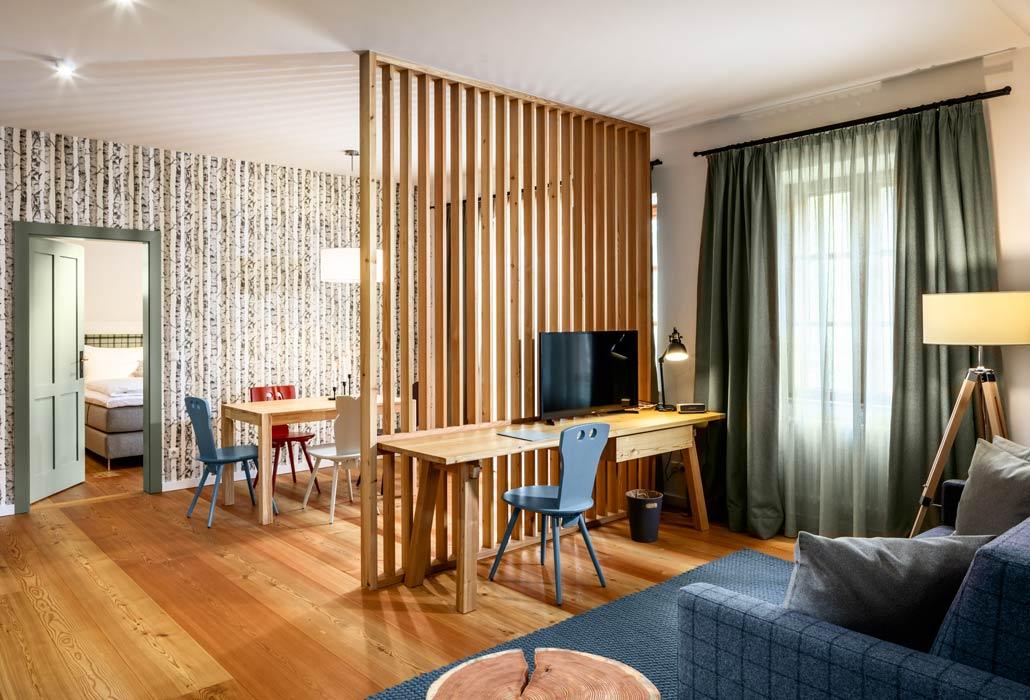 Wohn- und Essbereich im Apartement des Hotel zum Glockenturm