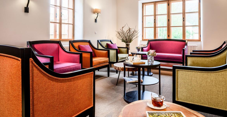 Gemütliche Sitzecke im Foyer des Hotels