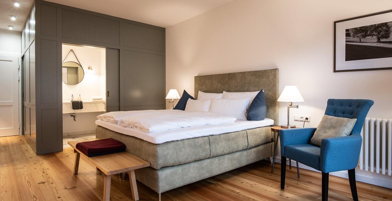 Geräumiges Doppelzimmer im Hotel zum Glockenturm in Marktl, Lilienfeld
